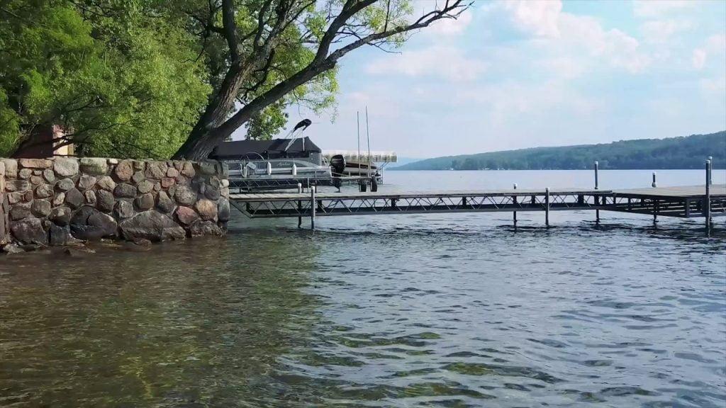 4771 W Bluff Dr, Keuka Lake